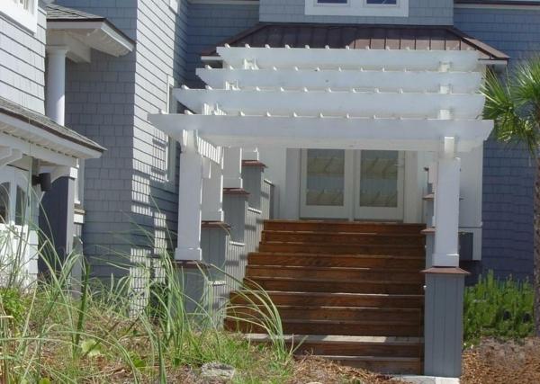 pergola dach terrassenüberdachung treppe weiß