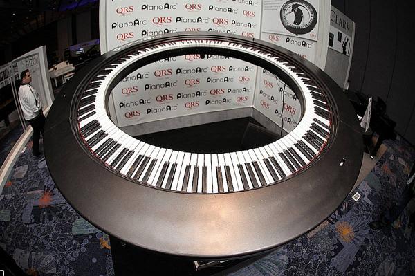 technik klavier rund 360 grad spielen