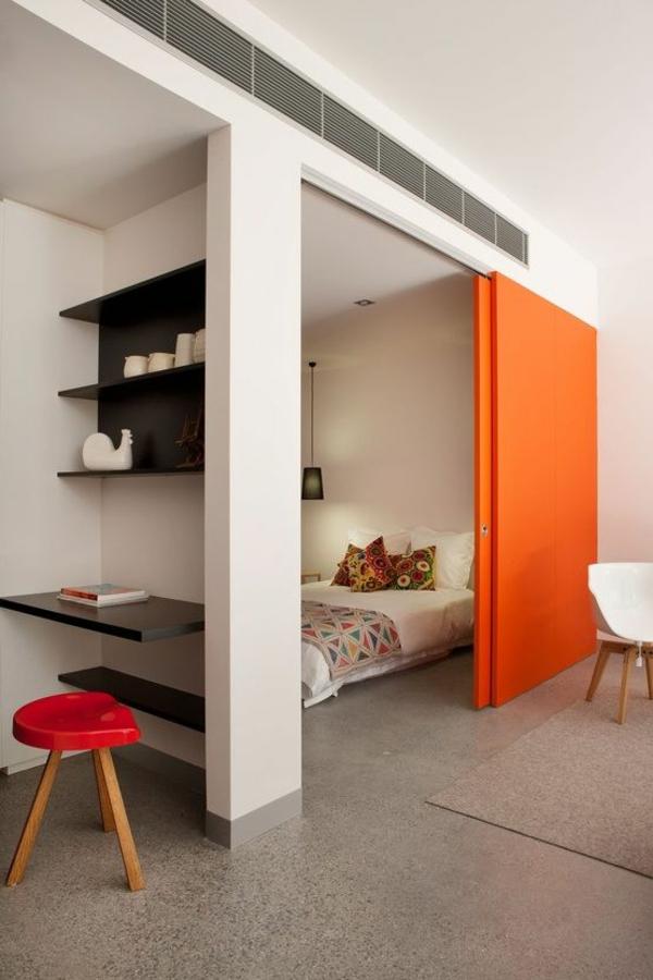 raum trenner ideen schiebetüren orange akzentfarbe