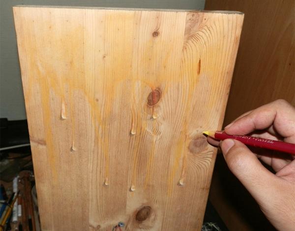realistische platte Zeichnungen auf Holz tropfen