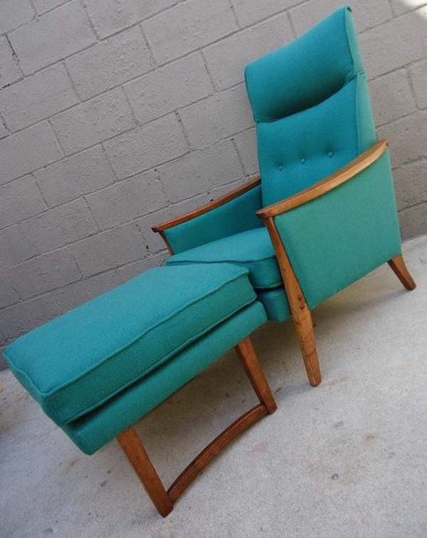 Zwei Lounge Sessel bilden eine gemütliche Sitzecke