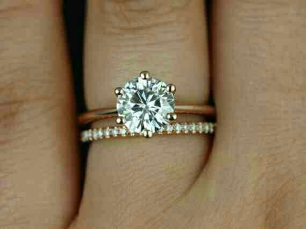 Carat Oval Halo Engagement Ring