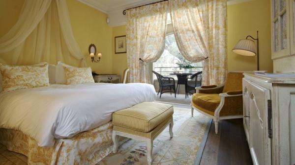 schlafzimmer wandfarbe eierschalenfarben farbpalette wandfarben gelb