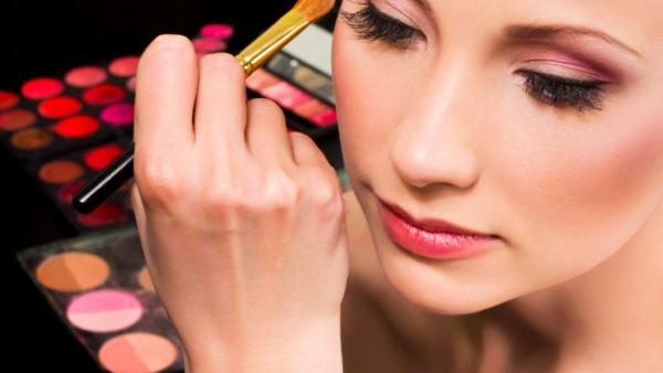 schminktipps augen natürliches make up farbpalette