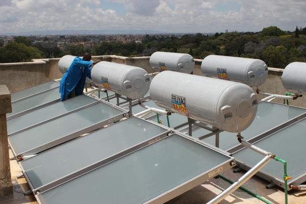 solaranlage und photovoltaik behälter