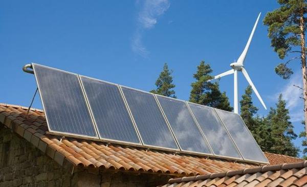 solaranlage photovoltaik dach windrad