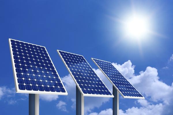 solaranlage und photovoltaik drei module