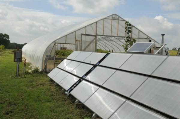 solaranlage photovoltaik gewächshaus