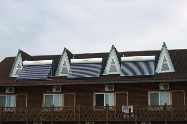 solaranlage photovoltaik dreieckige fenster