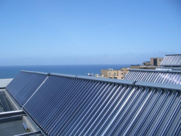 solaranlage und photovoltaik hoteldach