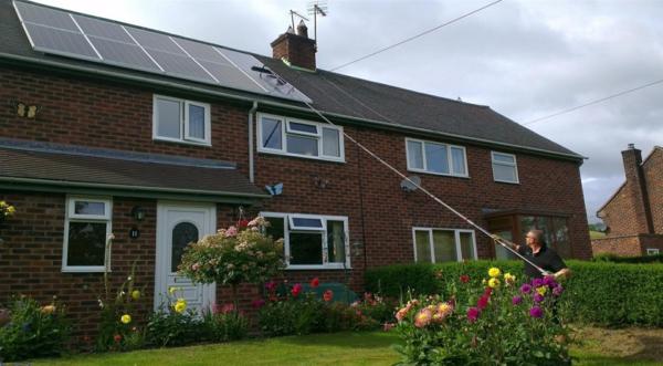 solaranlage und photovoltaik sauber machen