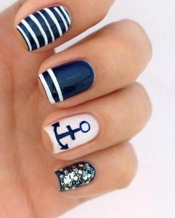sommerurlaub nageldesign bilder nail art streifenmuster anker