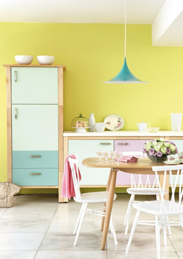 speisezimmer wandfarbe eierschalenfarben wandfarben pastellfarben küchenschränke
