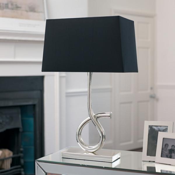 stehlampen design lampenschirm schwarz wohnzimmer modern einrichten