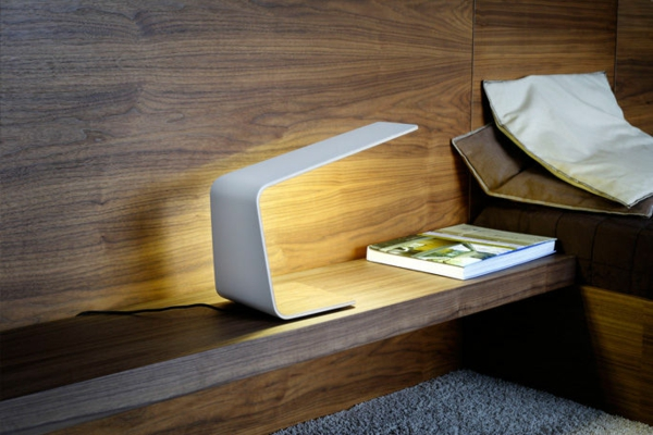 stehlampen design nachttischlampe minimalistisches design weiß