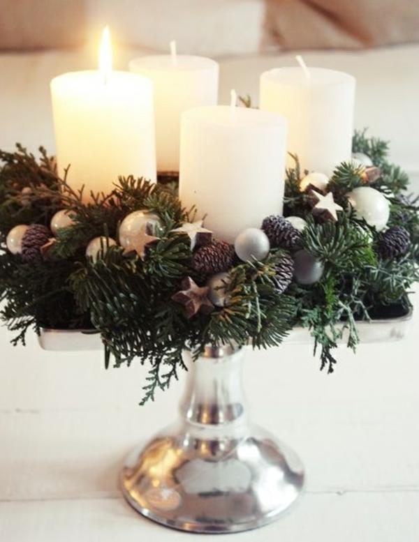 türkranz weihnachten deko mit kerzen weihnachtsdeko ideen tannenzapfen