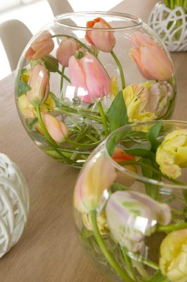 tischdeko mit tulpen festliche tischdeko ideen glassphären