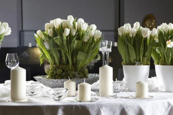 tischdeko mit tulpen weiß blumengestecke selber machen