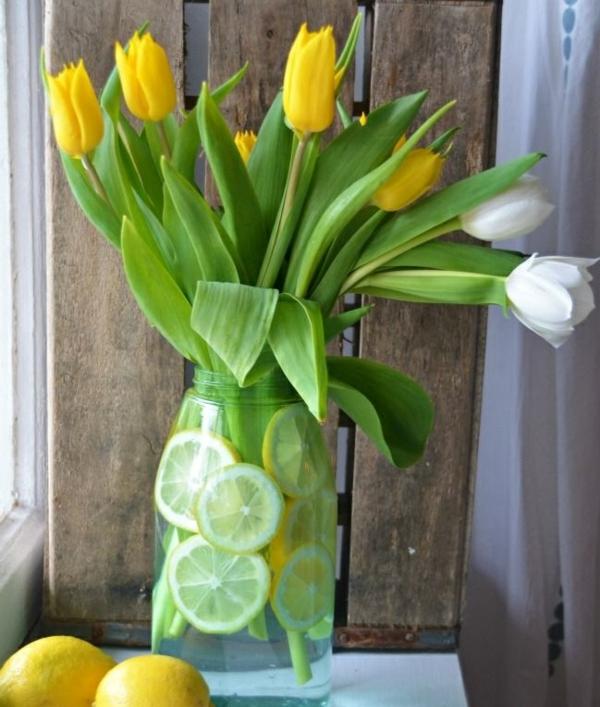tischdeko rustikal tischdeko mit tulpen weiß gelb