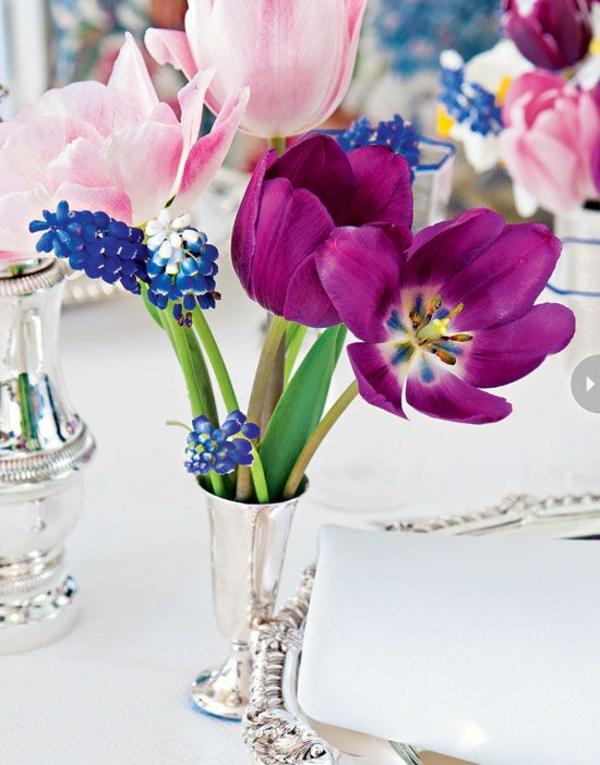 tischdeko selber machen blumen arrangieren tulpen tischdeko lila