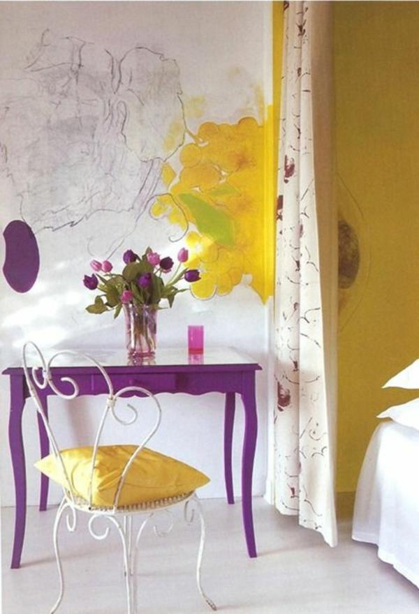 tische dekorieren tischdekoration mit tulpen tischdeko lila