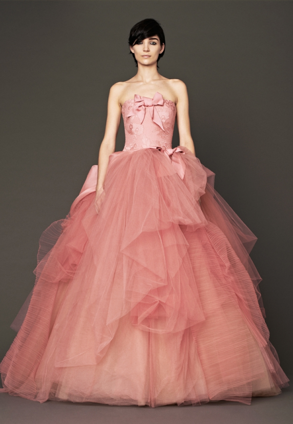 vera wang hochzeitskleider rosa lachsrot brautmoden