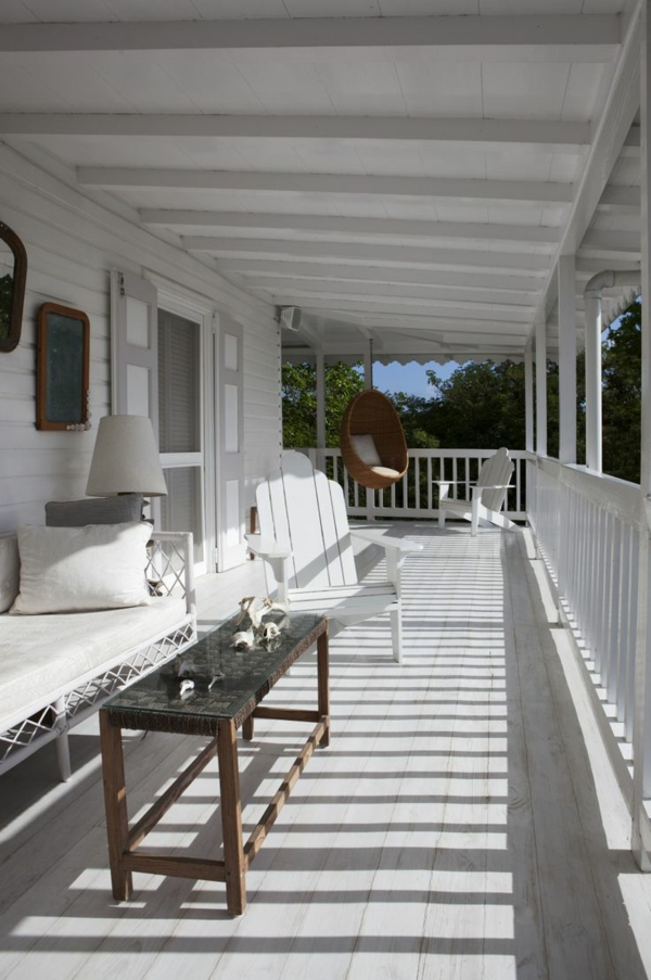 veranda bauen amerikanische holzhäuser terassendielen weiß streichen