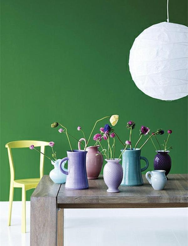 wandfarbe grün farbideen wandgestaltung dekoartikel vasen