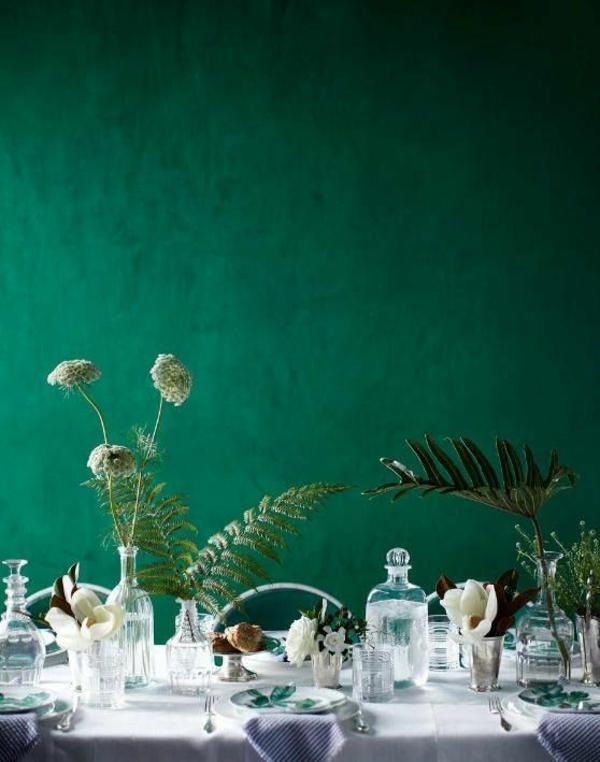 wandfarbe gesättigt grün farbideen wandgestaltung tisch essen