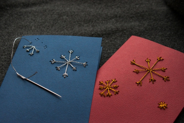 weihnachtsbastelideen weihnachtskarten basteln schneeflöckchen buntpapier