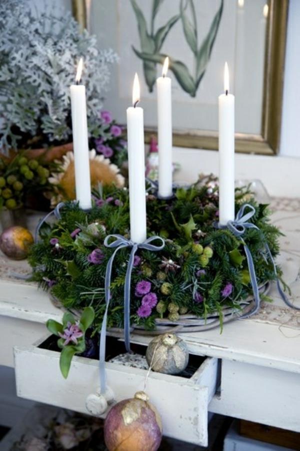 weihnachtsdeko basteln kranz kerzen herbstblumen