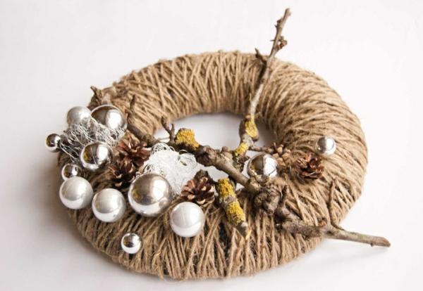 Adventskranz ideen und bilder f r eine m rchenhafte - Weihnachtsdeko naturmaterialien ...