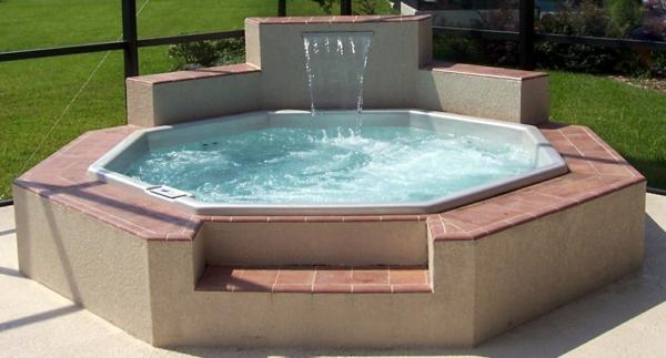 Whirlpool Im Garten   Gönnen Sie Sich Diese Besonde Art Entspannung, Modern  Dekoo