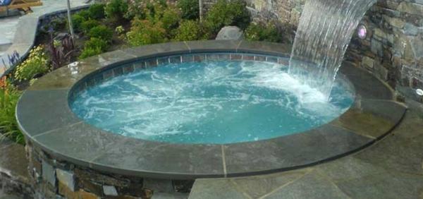 whirlpool im garten wasserfall