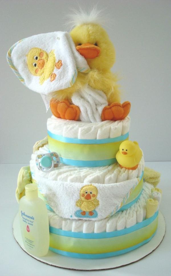 windeltorte basteln anleitung babygeschenke geburt duck