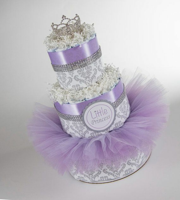 windeltorte basteln anleitung babygeschenke geburt lila