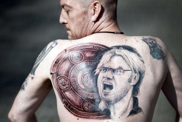 Fussball Tattoos bilder stars am rücken