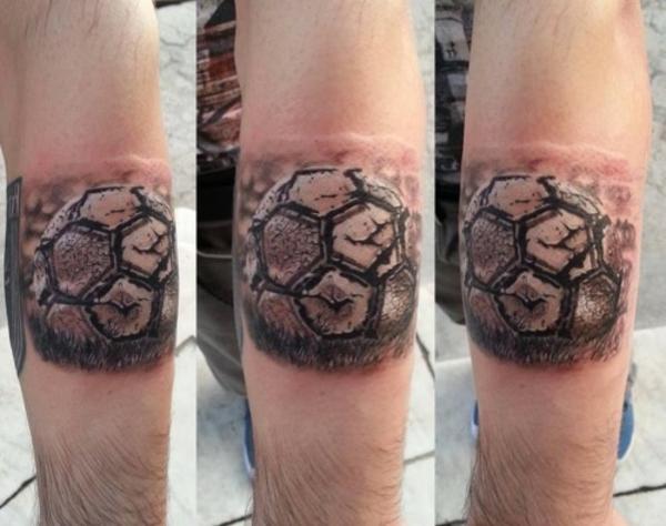 fussball tattoos sport tattoovorlagen und ideen