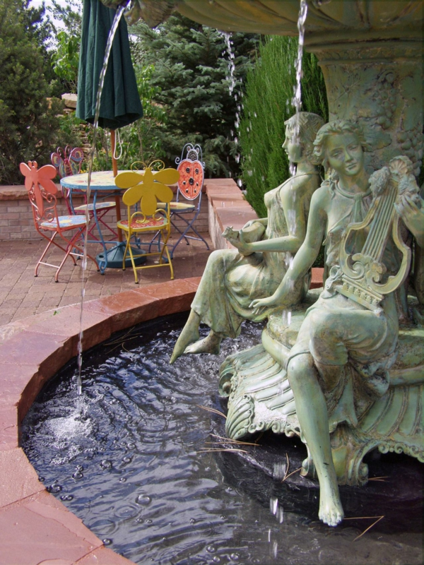 Gartengestaltungsideen wasseranlagen garten skulptur