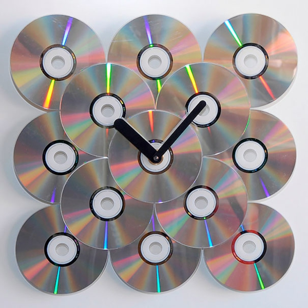Gebrauchte Cds und DVDs  diy projekte bastelideen wanduhr