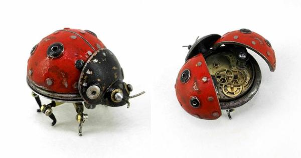 Gebrauchte Motorrad recyceln skulpturen käfer