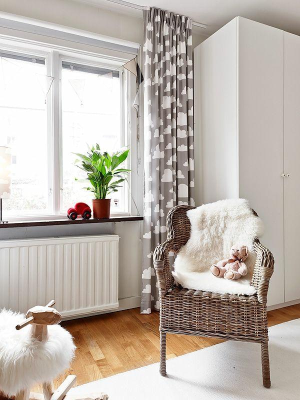 kinderzimmer gardinen eine verantwortungsvolle wahl. Black Bedroom Furniture Sets. Home Design Ideas