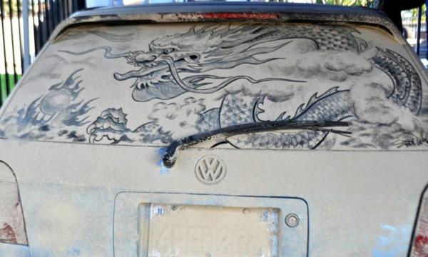 Kunst aus Staub schmutzige autoscheiben japanische drache
