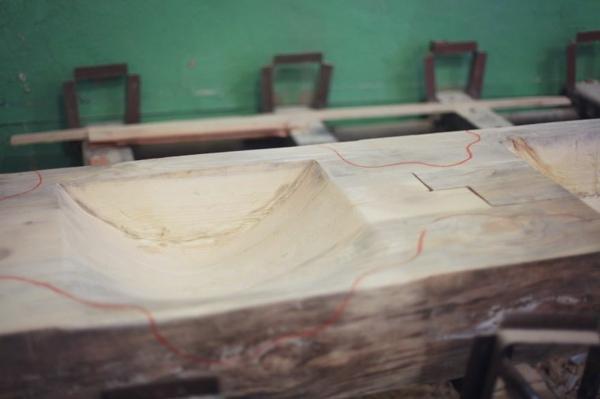 Mosaik Holzspüle arbeiten prozess