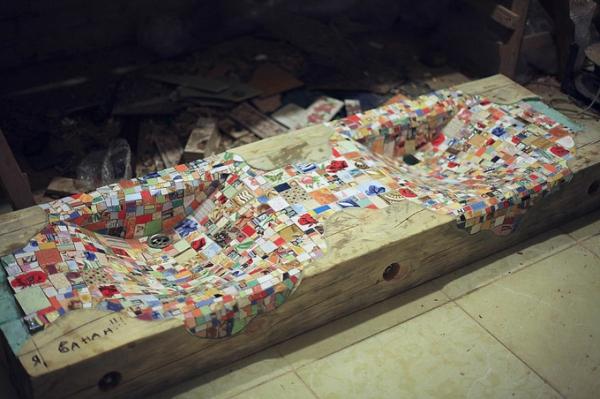 mosaik waschbecken aus holz und bartisch aus keramikfliesen von alexey. Black Bedroom Furniture Sets. Home Design Ideas