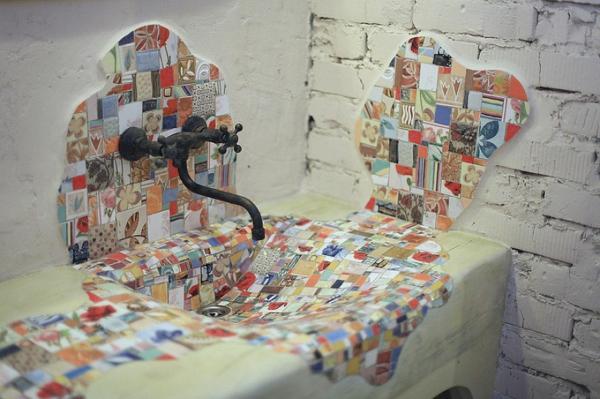 Mosaik waschbecken aus holz  fliesenspiegel