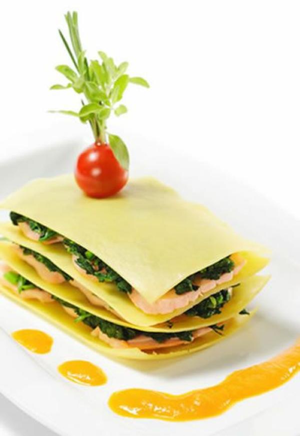 weihnachtsessen rezepte spinat lachs lasagne. Black Bedroom Furniture Sets. Home Design Ideas
