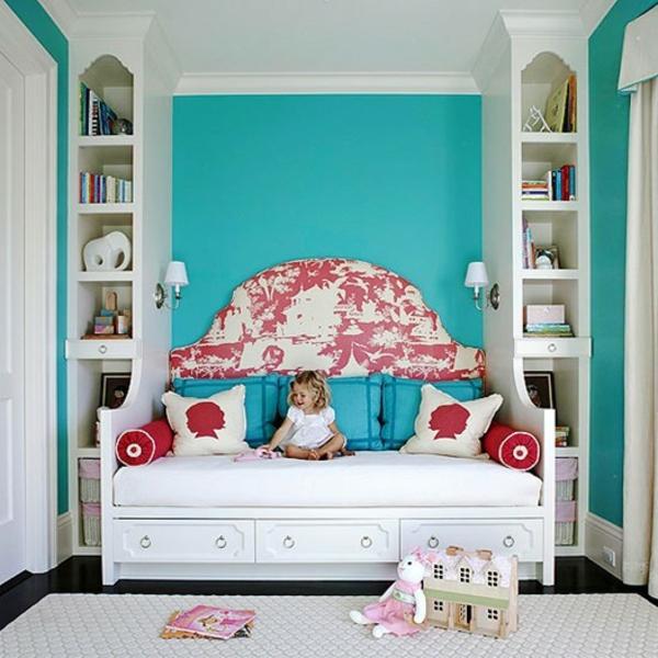 Wand farben kombinieren komplementärfarben couch sofa