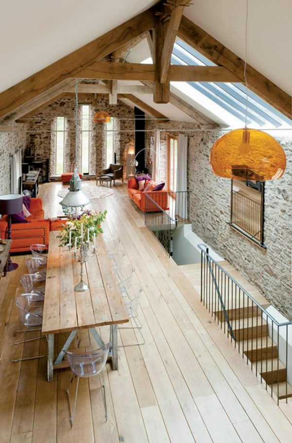 acrylstühle echtholzmöbel rustikales esszimmer einrichten rustikaler esstisch