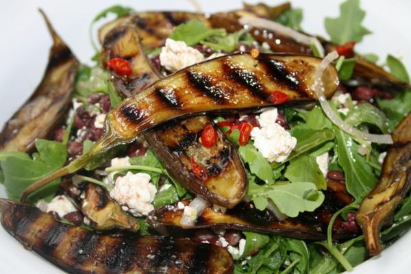 auberginen zubereiten fetakäse rukola salat